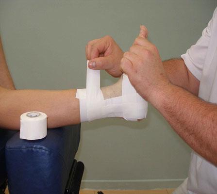 Los vendajes funcionales se aplican en el deporte profesional para poder competir con una lesión